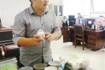 学霸黄兴亮:发明免搓洗涤剂 让碗筷自己洗澡